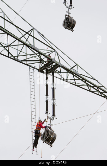 overhead lineman stock photos  u0026 overhead lineman stock