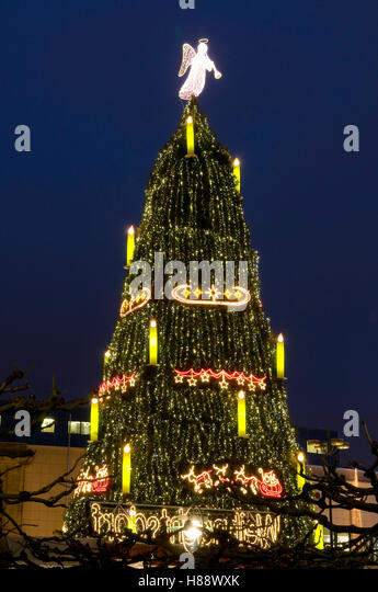 World Biggest Christmas Tree Stock Photos & World Biggest ...