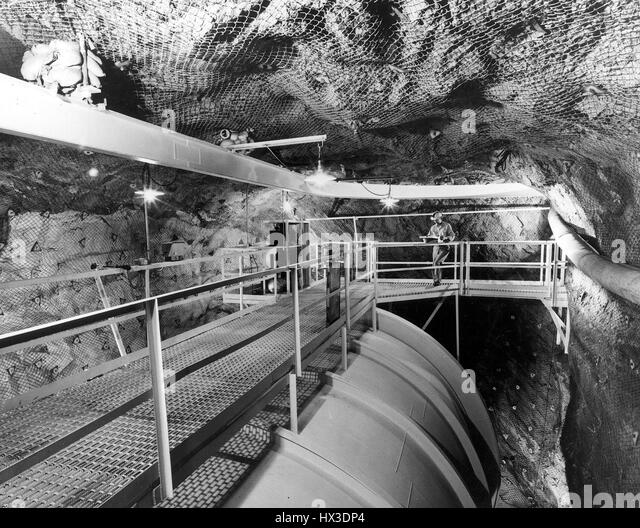 Experiment By The Atomic Energy Commission S Brookhaven National Laboratory In A Mile Deep South Dakota