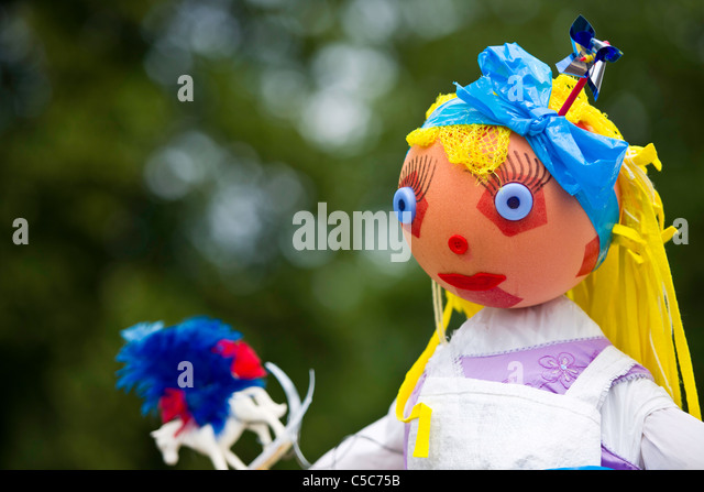fruits and vegetables scarecrow stock photos amp scarecrow stock images alamy 12476