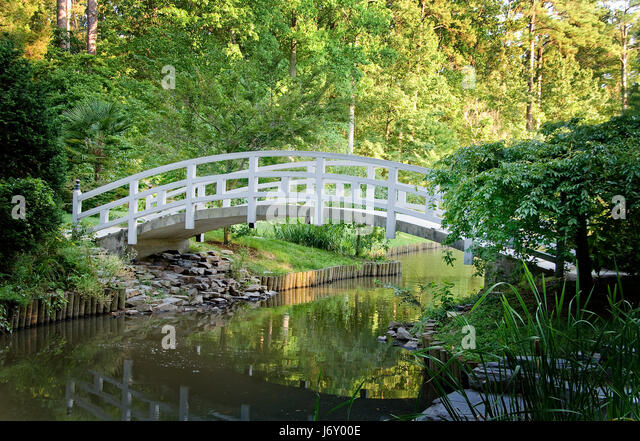 japanese garden brook stream stock photos japanese garden brook stream stock images alamy. Black Bedroom Furniture Sets. Home Design Ideas