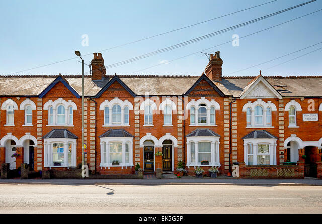 Victorian terraced houses stock photos victorian for Terrace in house