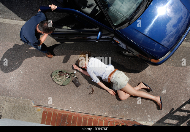 how to help road accident victim