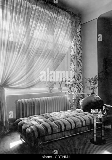chaise black and white stock photos images alamy. Black Bedroom Furniture Sets. Home Design Ideas