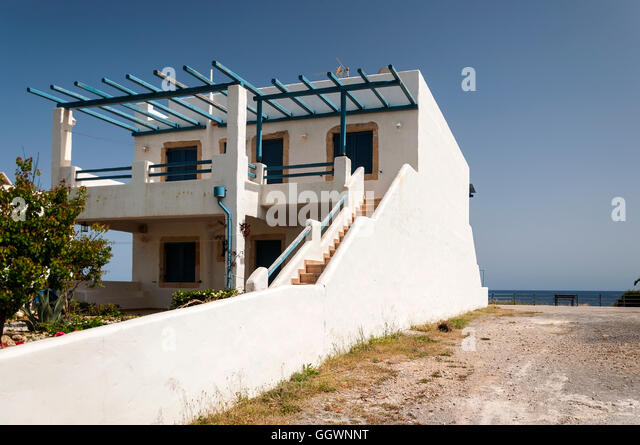 A typical Greek style house near to the town of Makrigialos on Crete. -  Stock