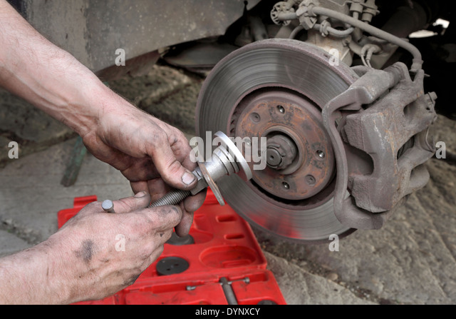 how to fix brakes on a car