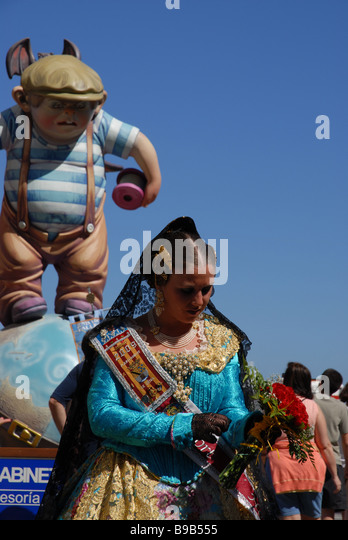 Fallera Costume Stock Photos & Fallera Costume Stock Images - Alamy