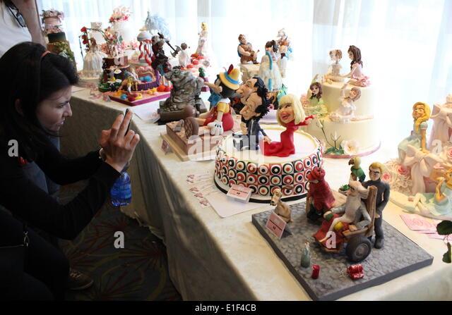 Cake Design Italian Festival Roma : Raffaella Carra Stock Photos & Raffaella Carra Stock ...