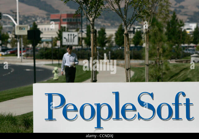 oracle buy peoplesoft Oracle corporation today announced that it has signed a definitive merger agreement to acquire peoplesoft, inc, for $2650 per share (approximately $103 billion) the transaction has been approved by the boards of directors of both companies and should close by early january today we announced .