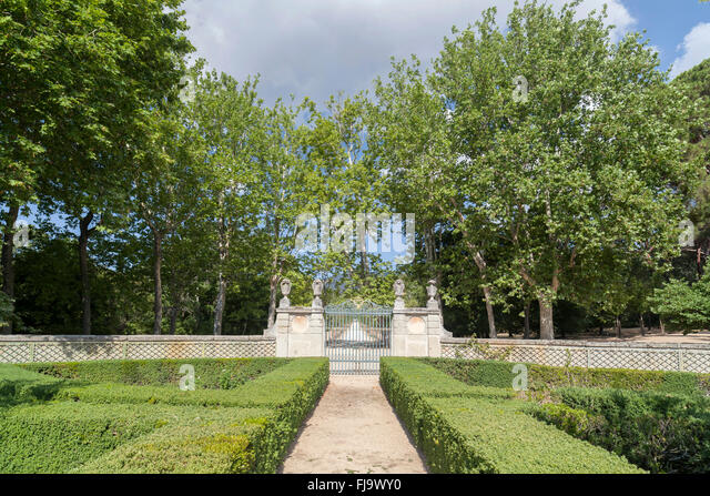 Casita stock photos casita stock images alamy for Jardines del escorial