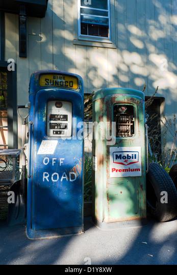 petrol pumps vintage old stock photos petrol pumps vintage old stock images alamy. Black Bedroom Furniture Sets. Home Design Ideas