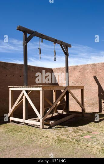 how to build a gallows