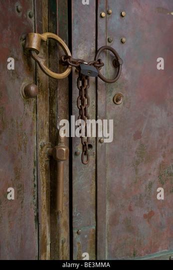 Metal Handles Chain and Lock on door - Stock Image & Chain Door Handles Stock Photos \u0026 Chain Door Handles Stock Images ... Pezcame.Com