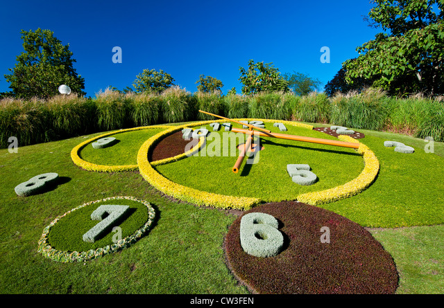 Floral clock europe stock photos floral clock europe for Jardin anglais