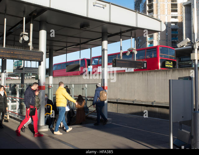 transportation system in london england essay London, which has pioneered congestion charging and has a well-integrated system of public transport, has led the move away from cars over the past decade, during which time 9% of car commuters.
