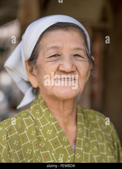 okinawan women