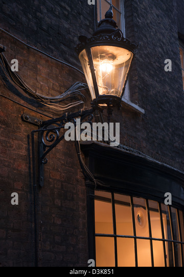 Wall Mounted Street Lamps : Wall Mounted Gas Lamps Stock Photos & Wall Mounted Gas Lamps Stock Images - Alamy