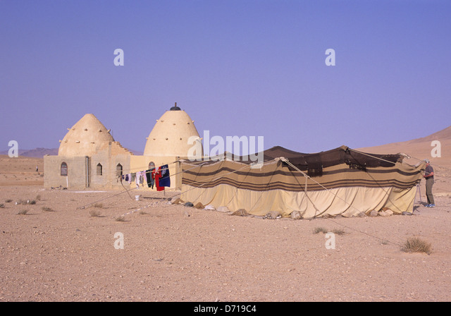 Syria Near Palmyra Traditional Domed House And Bedouin Tent - Stock Image & Domed Tent Stock Photos u0026 Domed Tent Stock Images - Alamy