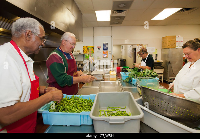 Soup Kitchen Volunteer Thanksgiving Detroit