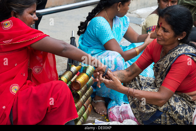 Indian Woman Selling Bangles Stock Photos & Indian Woman ...