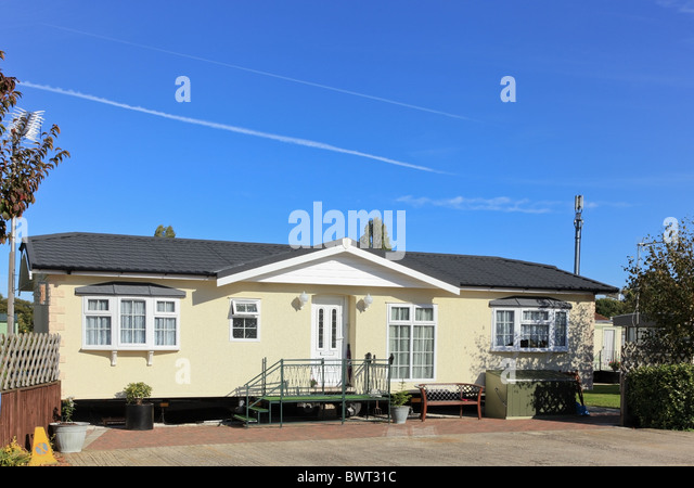 Large Twin Unit Residential Mobile Home Sited On A Quality Caravan Park UK