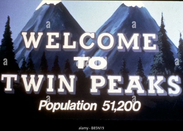 an overview of twin peaks the most popular show on television in 1990s Twin peaks was less a network tv show than  twin peaks didn't just  this tension is what made it so shocking that twin peaks aired on network tv in the 1990s.
