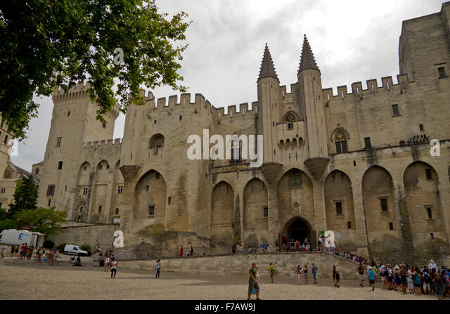 avignon sunrise stock photos avignon sunrise stock images alamy. Black Bedroom Furniture Sets. Home Design Ideas