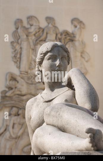 Statue Musee Art Moderne Ville De Paris