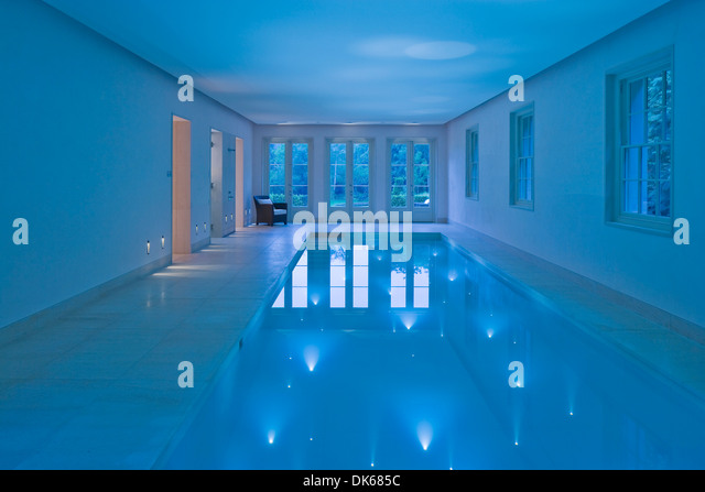 Siddley stock photos siddley stock images alamy for Richmond gardens pool