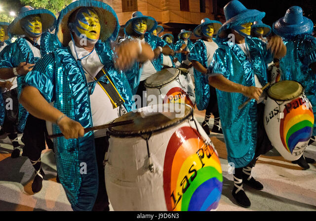 Traditional Murgas and samba schools performing on the streets during Carnival in Montevideo, Uruguay, South America - Stock Image