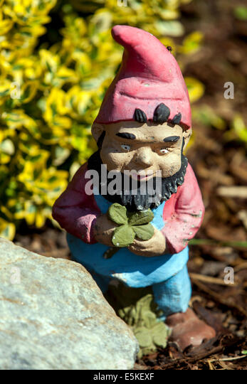 Ceramic figure stock photos ceramic figure stock images for Gnome 3 decoration fenetre