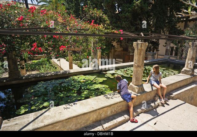Baños Arabes Mallorca:Gardens of the Banos Árabes (Arab Baths) in Palma de Mallorca, Spain