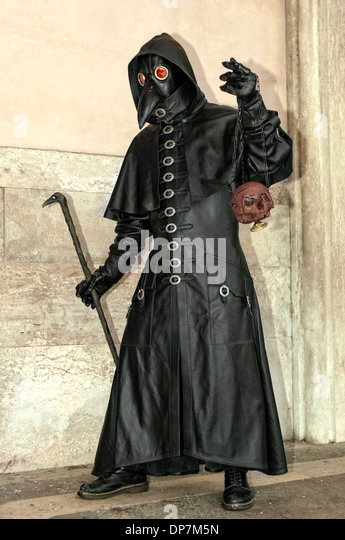 Plague Doctor Costume Stock Photos Amp Plague Doctor Costume Stock Images Alamy