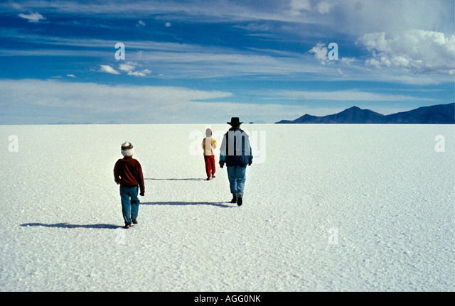 uyuni women Uyuni salt flats (4wuyuni  originally called tunupa salt flats by locals before the foundation of uyuni  well with bolivia and your wonderful countrymen and women.