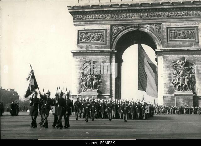 1954 paris stock photos 1954 paris stock images alamy for Cafe du jardin covent garden