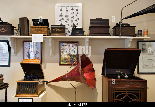 Cylinder And Diamond Disc Phonographs Invented By Thomas Alva Edison At The House In