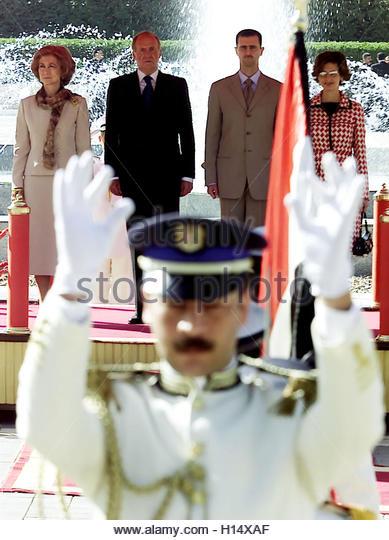 ¿Cuánto mide el Rey Juan Carlos I? - Altura - Real height King-juan-carlos-2l-and-queen-sofia-l-of-spain-reviews-an-honour-guard-h14xaf