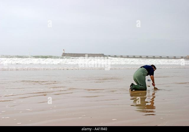 Legs little girl in sea stock photos legs little girl in for Videos of people fishing