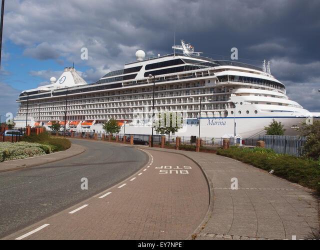 Cruise Ship Oceania Marina Stock Photos Cruise Ship Oceania Marina Stock Images Alamy