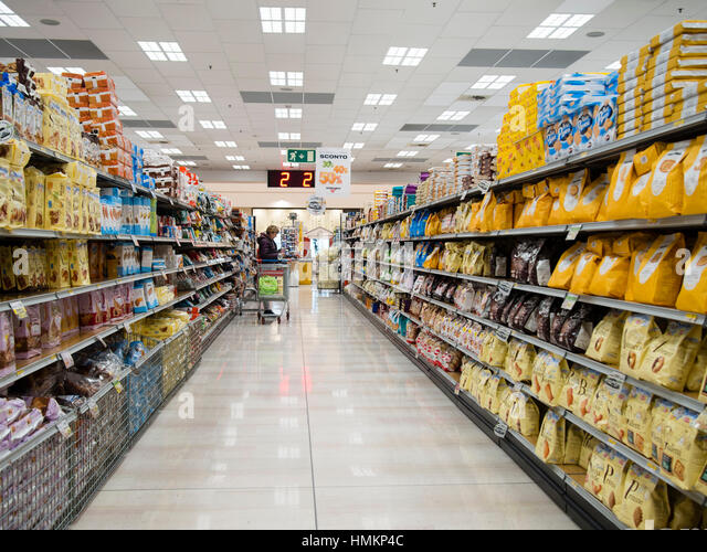 Grocerystore stock photos grocerystore stock images alamy for Supermercati esselunga in italia