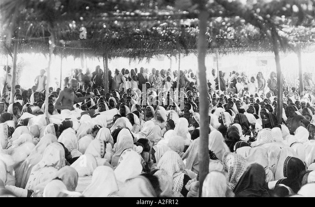 mahatma gandhi and the salt march essay Mahatma gandhi and the salt march essays 1427 words   6 pages in an effort to help free india from the british rule, mahatma gandhi once again contributed to a protest against salt taxes, known as the salt march.