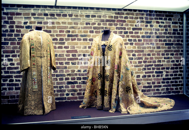 The Crown Jewels Tower Of London Stock Photos & The Crown Jewels ...