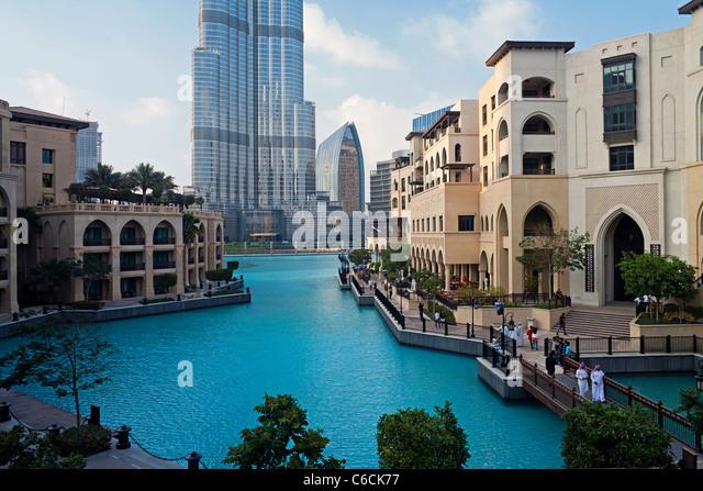 burj khalifa tallest man made structure in Who built burj khalifa how many floors does burj khalifa have the tallest building in the world burj khalifa, the tallest building in the world it is the tallest man-made structure in the world, standing at 8298 m (2,722 ft.