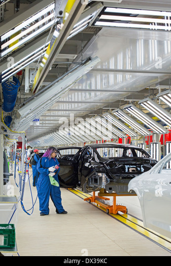 Automobile assembly line paint stock photos automobile for Kc paint shop