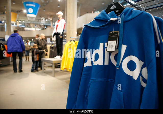 adidas outlet store stock photos adidas outlet store stock images alamy. Black Bedroom Furniture Sets. Home Design Ideas