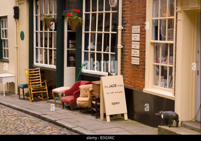Antique shop next to the Jade tree art and craft shop in Elm Hill Norwich. Antique Stores Stock Photos   Antique Stores Stock Images   Alamy