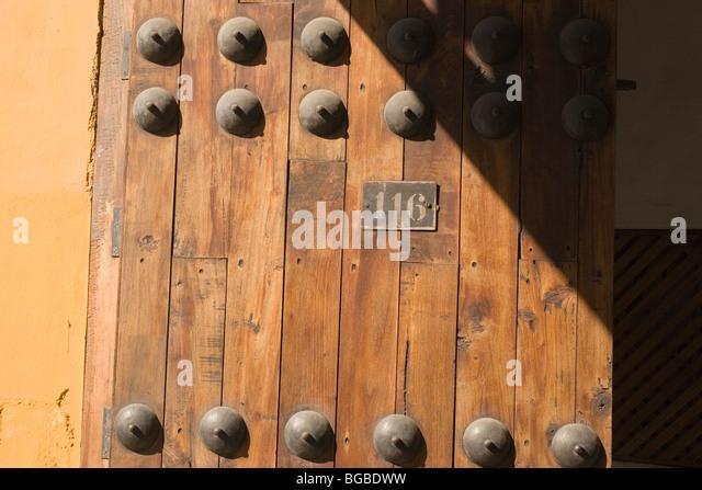 Mexico Oaxaca door - Stock Image & Wood Regional Door Stock Photos \u0026 Wood Regional Door Stock Images ...