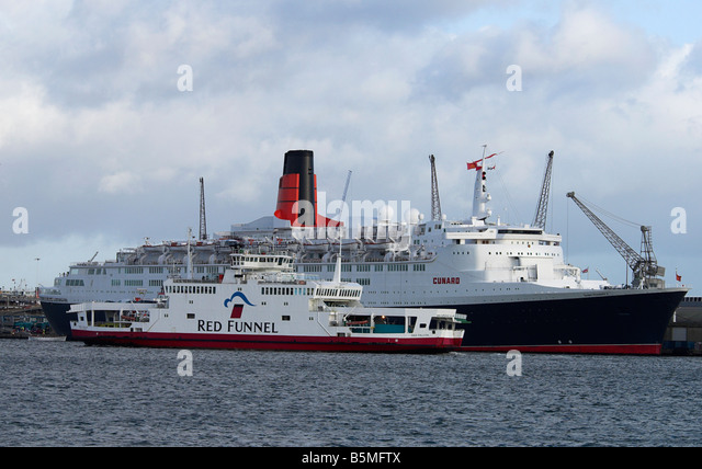 Red funnel ship stock photos red funnel ship stock for Ikea ship to new zealand