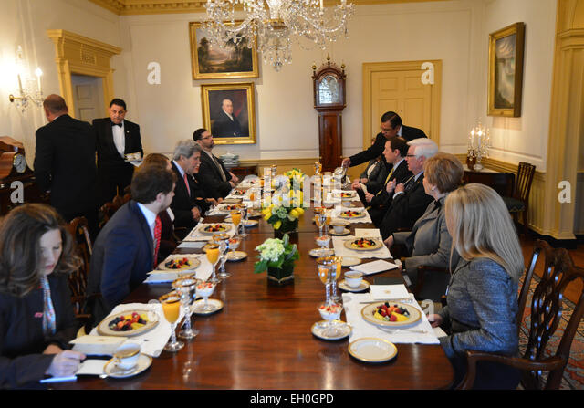 senate dining room. U S  Secretary Kerry meets with former Senate colleagues Senator Sheldon Whitehouse D R Stock Photos Images