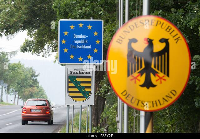 view of the german czech border crossing near hellendorf germany 14 september 2015 - Bordre Bad Bilder